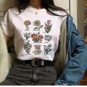 Tops - Short Sleeve White Flower Graphic Tee